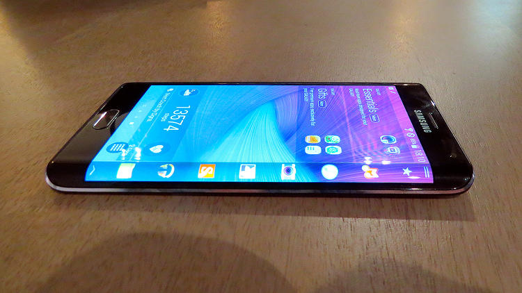 Samsung Galaxy Note Edge The Phone With Very First Curved Display