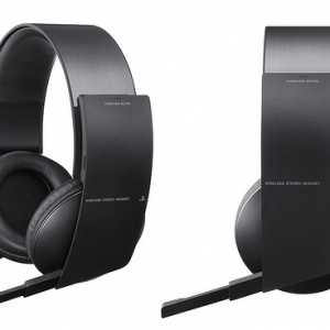 Communicate Wirelessly Across 300 Feet Area With Wireless Headset From Plantronics