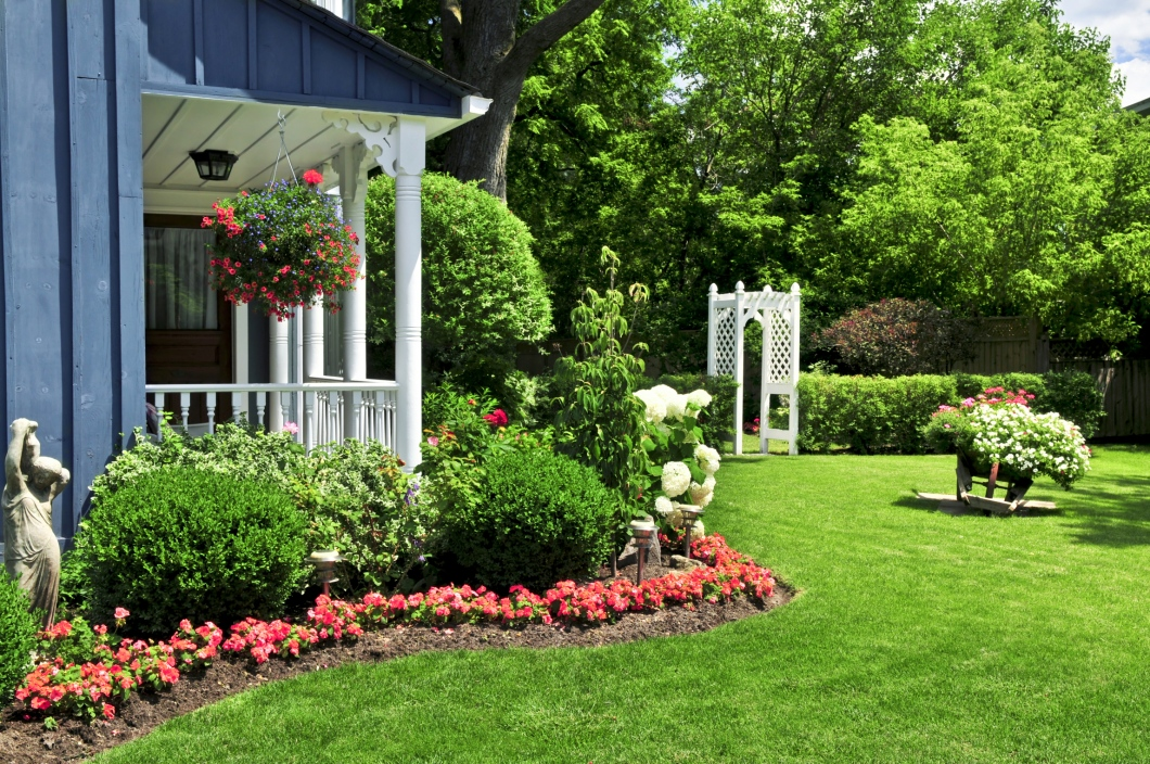 8 Tips For Decorating Yards