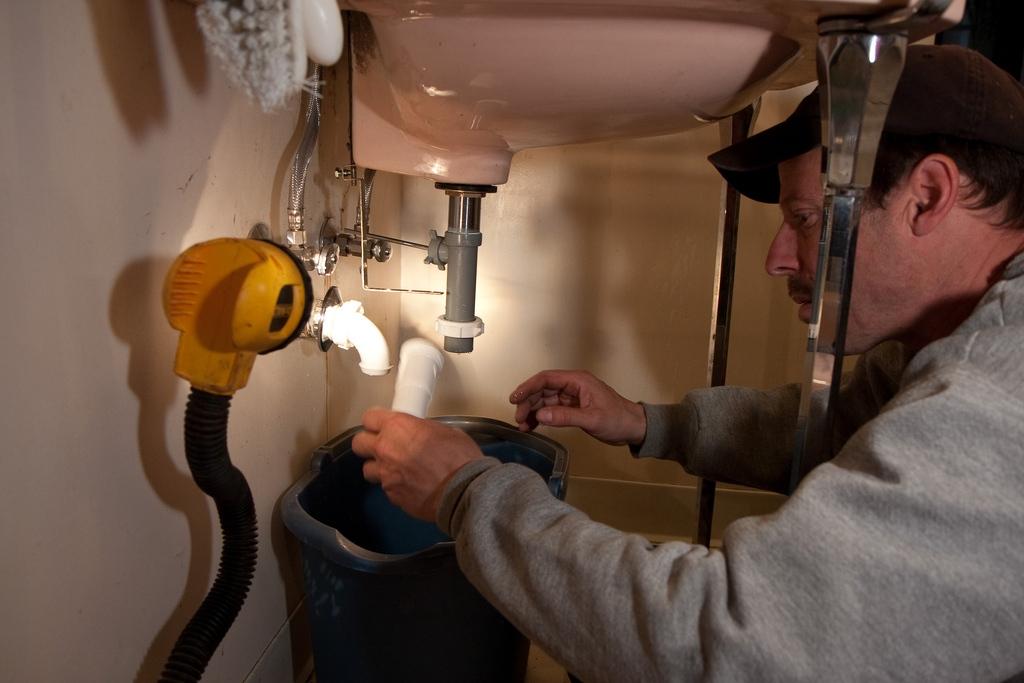 How To Deal With Hidden Plumbing Leaks