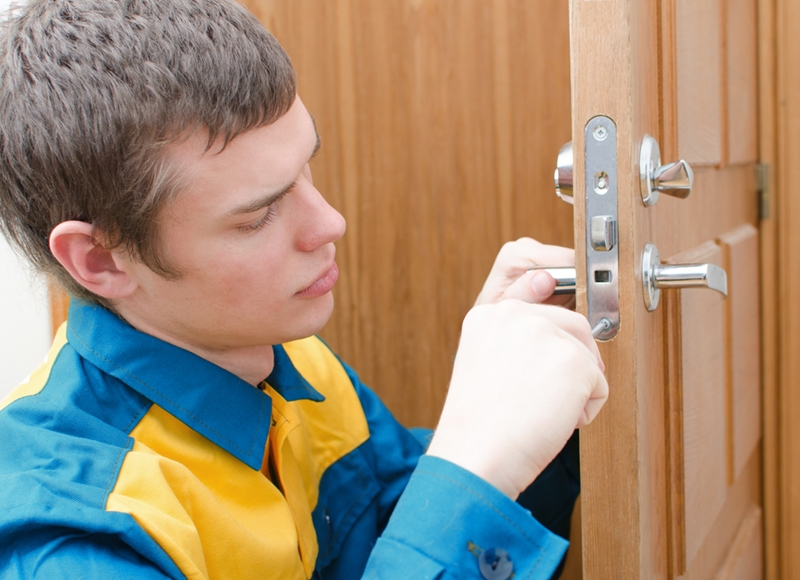 Common Locksmith Services For You To Hire