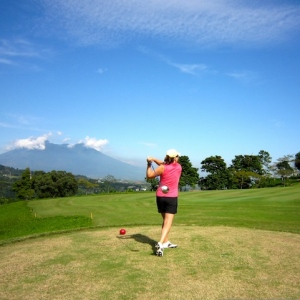 Eat and Drink Right To Improve Your Golf