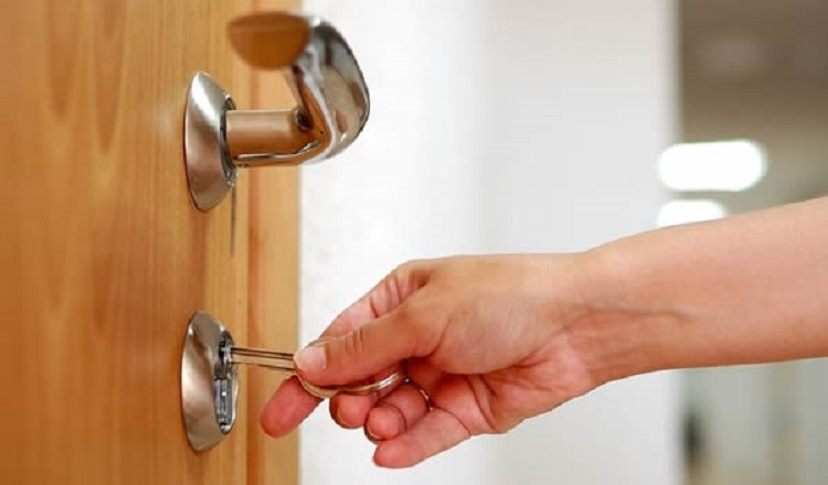 Why Should You Change Locks When Moving To A New Place?