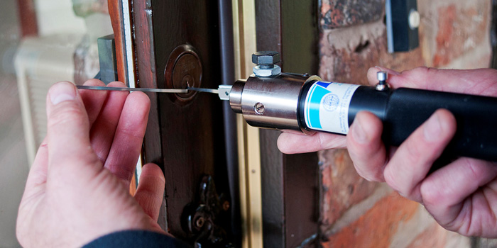 What Is The Reasons To Call A Professional Locksmith