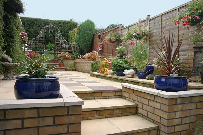 How To Choose A Service Or Landscaping Projects?