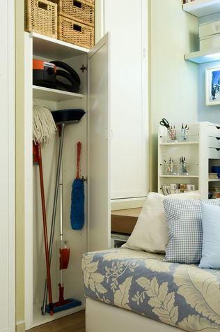 Ideas DIY saving broom closet vertical