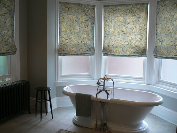 bathroom roman shades