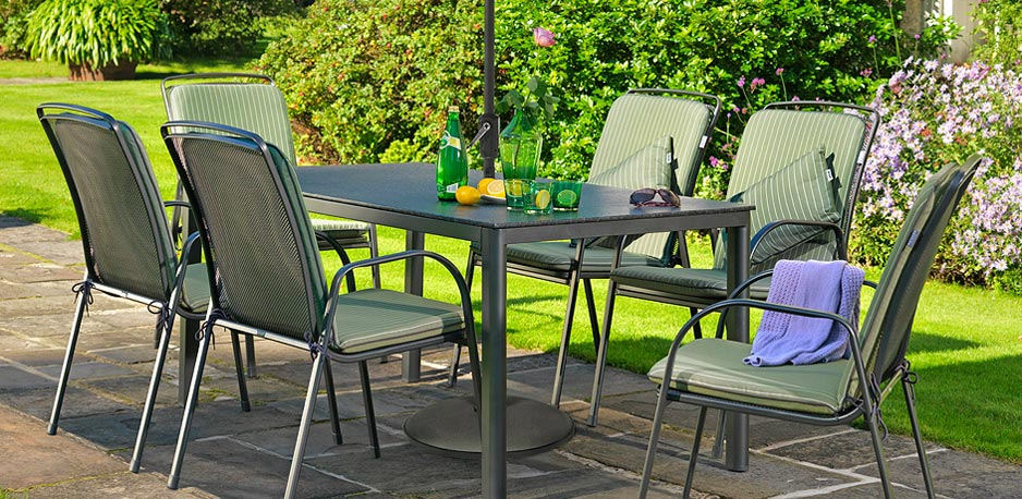 Bring Pleasant Appearance With Good Quality And Attractive Furniture To Your Garden