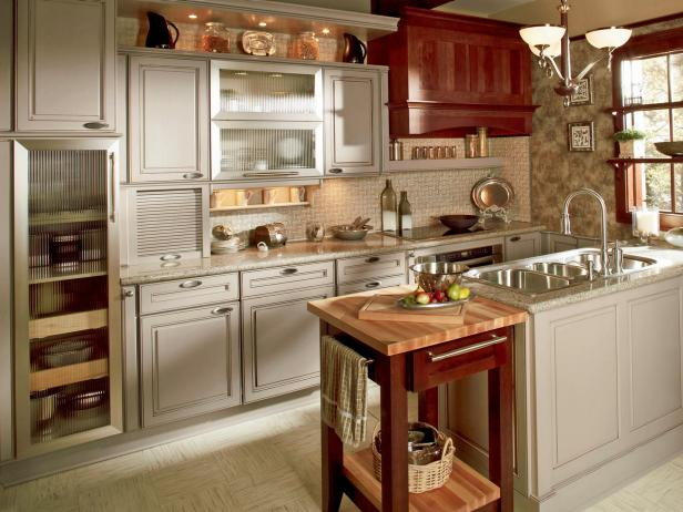 kitchen remodeling trends with functional kitchen island