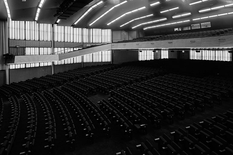 Factors To Consider For Increasing Visibility While Planning Auditorium Seating