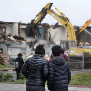 Safety Tips For Watching Demolitions