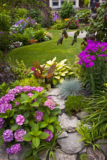 Designing A Garden: Connecting Your Indoor and Outdoor Spaces