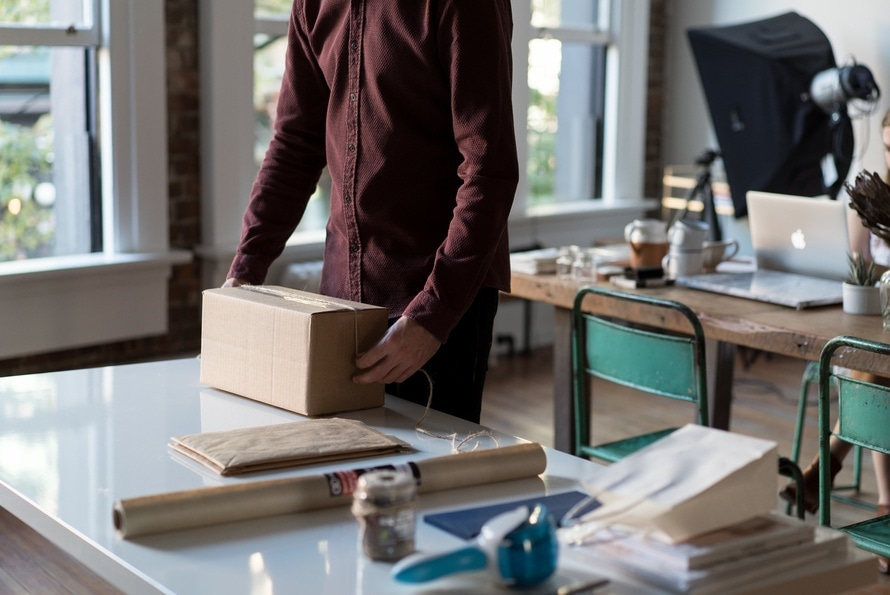 ecommerce-cardboard-box