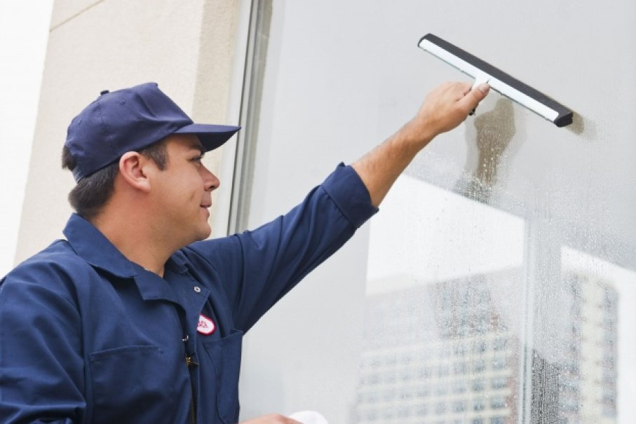 Reasons To Hire A Professional Window Cleaner