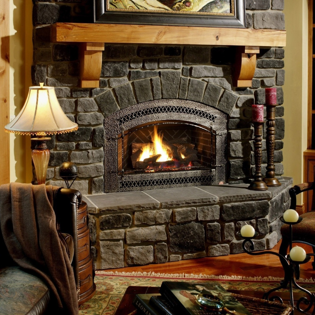 Cozy Atmospheres With The Fireplace