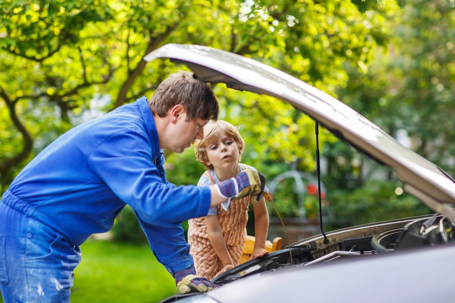 Why Does My Mechanic Keep Changing My Car's Oil?