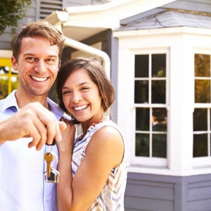 ARE YOU LOOKING TO SELL OR BUY A HOME OF YOUR OWN?